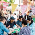 La conservation d'espaces dans le quartier chinois de Vancouver : raviver un quartier menacé avec des soirées mahjong animées (熱鬧) et une école de langue cantonaise historique